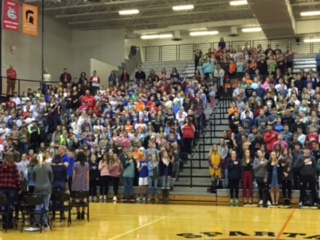 students doing the pledge of allegiance
