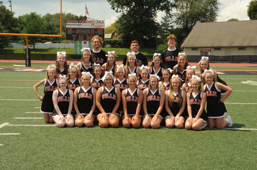 cheerleader group picture