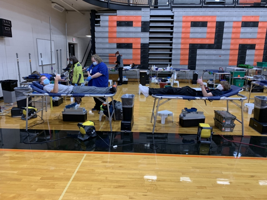 people giving blood